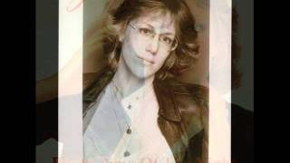 Watch Jennifer Warnes I Know A Heartache When I See One video