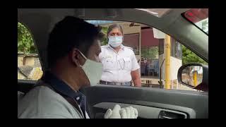 great traffic  women  police in  covid service