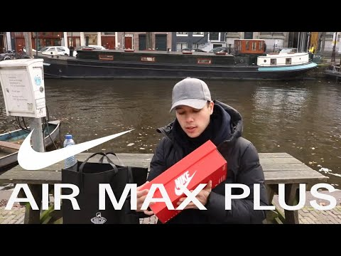 J'UNBOXE LA NIKE AIR MAX PLUS TN TRIPLE BLACK A AMSTERDAM ! (Review + On feet) thumbnail