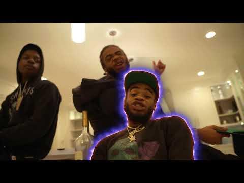 Смотреть клип Leeky Bandz Ft. Moneymarr - Uhuh