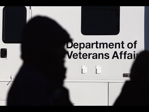 'Shadow leadership' is wielding vast influence at Veterans Affairs, report says