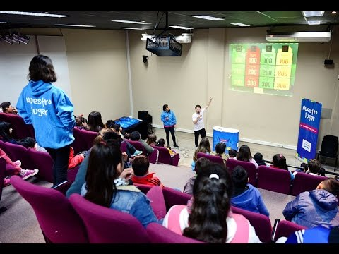 Telecom y San Fernando enseñaron a chicos de los CEIM a usar Internet de forma