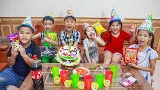 Kids Go To School | Chuns Birthday Children Friends Make Chocolate Birthday Cake