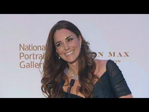 Kate fluffs her lines at National Portrait Gallery Gala