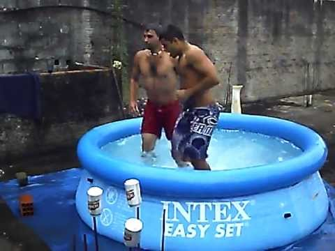 Saltos Ornamentais Piscina Intex 2500 Litros Youtube