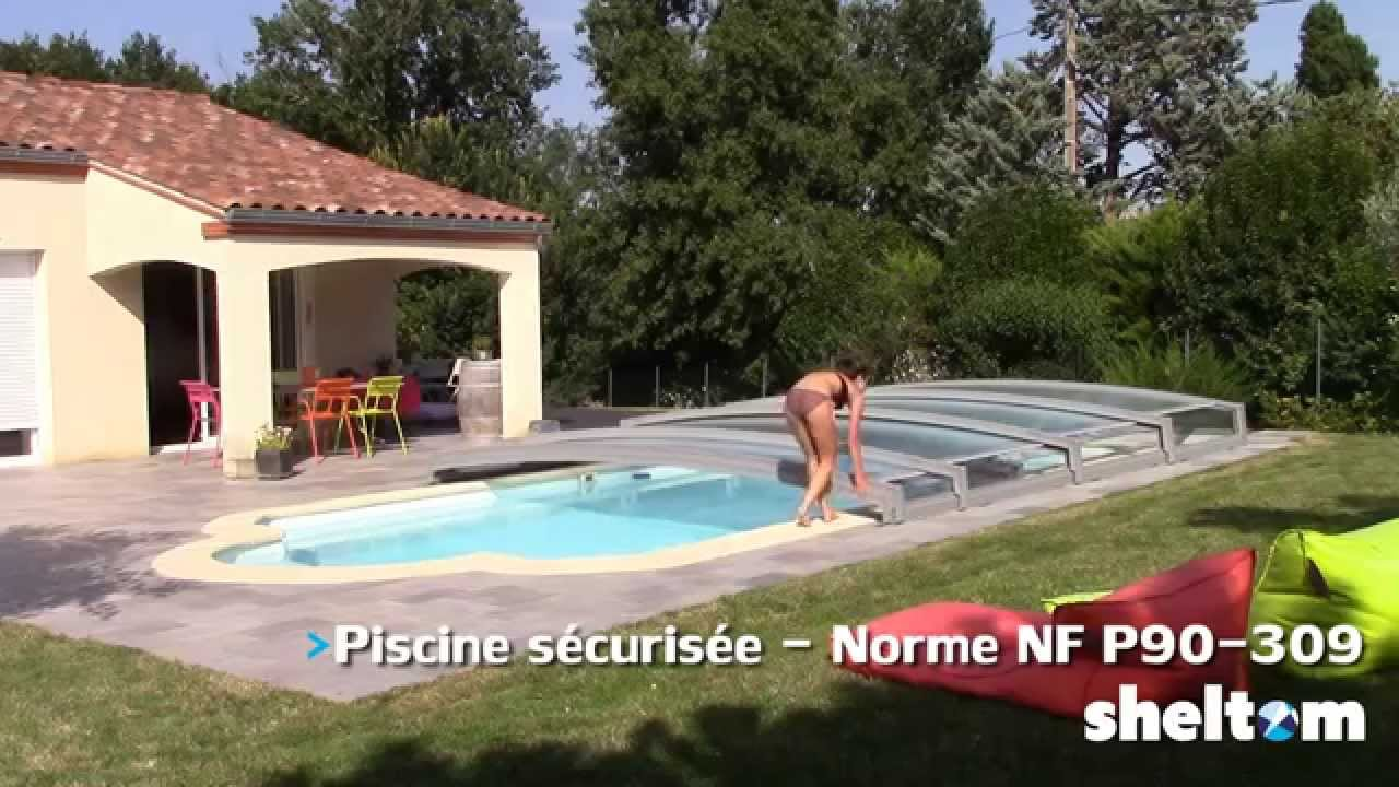 pose d 39 un abri de piscine t lescopique sheltom youtube. Black Bedroom Furniture Sets. Home Design Ideas