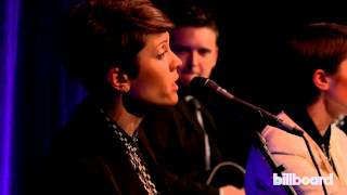 "Tegan & Sara perform ""Just Like a Pill"" Live for P!nk at Billb…"