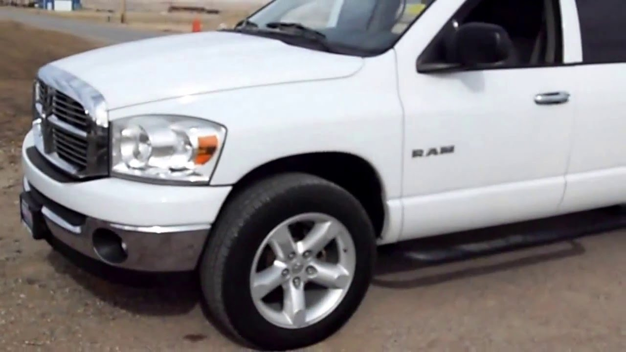 D15121C 2008 Dodge Ram 1500 With Topper And A Hemi