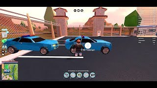 ROBLOX JAILBREAK LIVE CHASE WITH POLICE CAR!