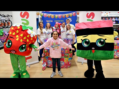 Thumbnail: Shopkins Season 7 Party At Toys R Us - Meet And Greet - Surprise Toys For Fans | Toys AndMe