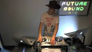 Futurebound NYC: Deephouse, Techno and Techhouse DJ Mix by Peter Munch  09.18.2012 (2/2)