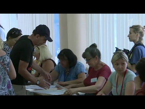 На Украине стартовали парламентские выборы.