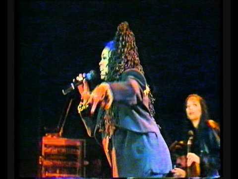 """Soul II Soul: """"Back to Life"""" (Live)"""