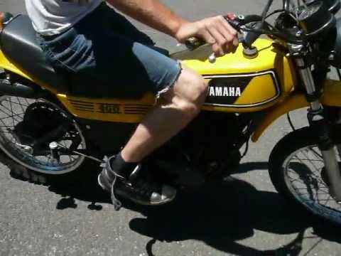 1977 400cc yamaha 2 stroke dirt bike enduro youtube for Yamaha 400cc motorcycle