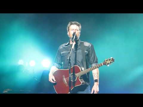 "Blake Shelton ""Every Time I Hear That Song"" Live @ Wells Fargo Center"