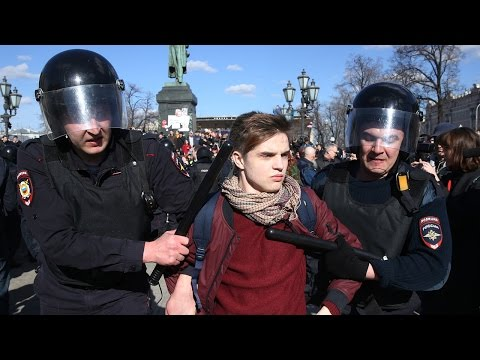 Political unrest in Russia: After anti-corruption protests, what happens next?