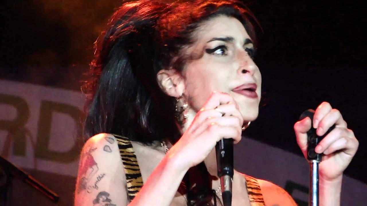 AMY WINEHOUSE - LIVE I... Amy Winehouse Valerie