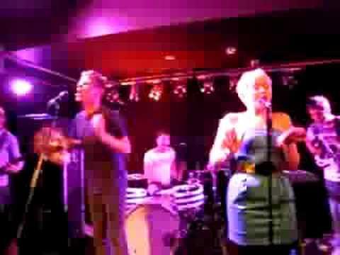 Alphabeat - Fantastic 6 (live at Whelans)