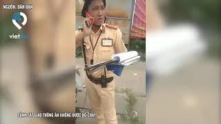 Cảnh sát giao thông ăn không được bỏ chạy!