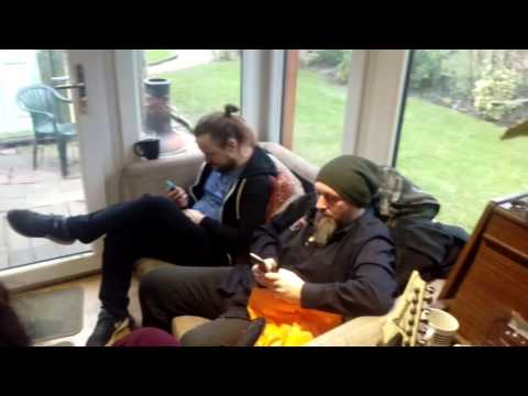"SYNAPTIK Studio pt6 ""Solo jam, Hoovering dogs & vocal playback concentration"""