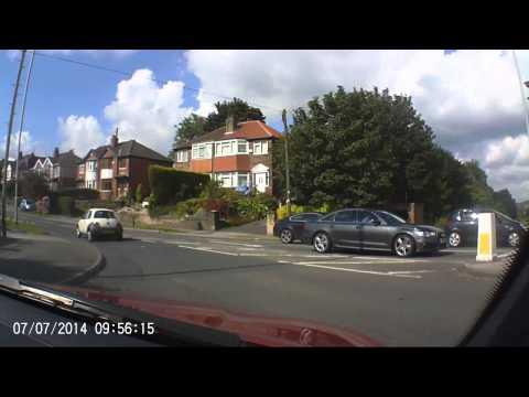 Kia (NJ52 MXX) in a rush Ring Rd / Spen lane Leeds