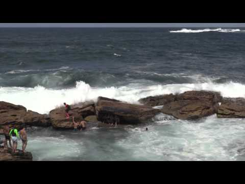 Coogee rock pool swell HD