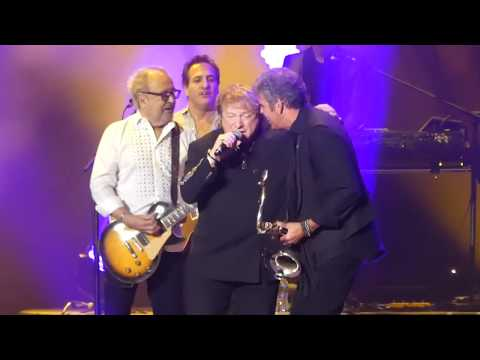 """Urgent"" Billy Joel & Lou Gramm & Mick Jones(Foreigner)@MSGarden New York 1/11/18"
