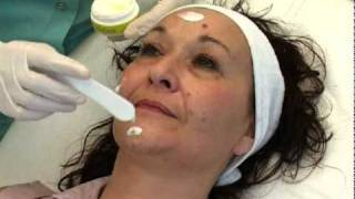 DermaCeutic Cosmo Peel Demo | Nu-U Essentials MediSpa(, 2011-11-10T16:03:36.000Z)