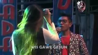 NIKUNG ' VIA VALLEN Ft GERY MAHESA ' KARAOKE VIDEO