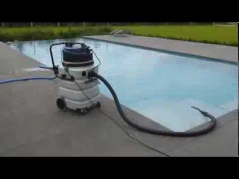 Demonstration aspirateur piscine dakota youtube for Aspirateur a eau pour piscine