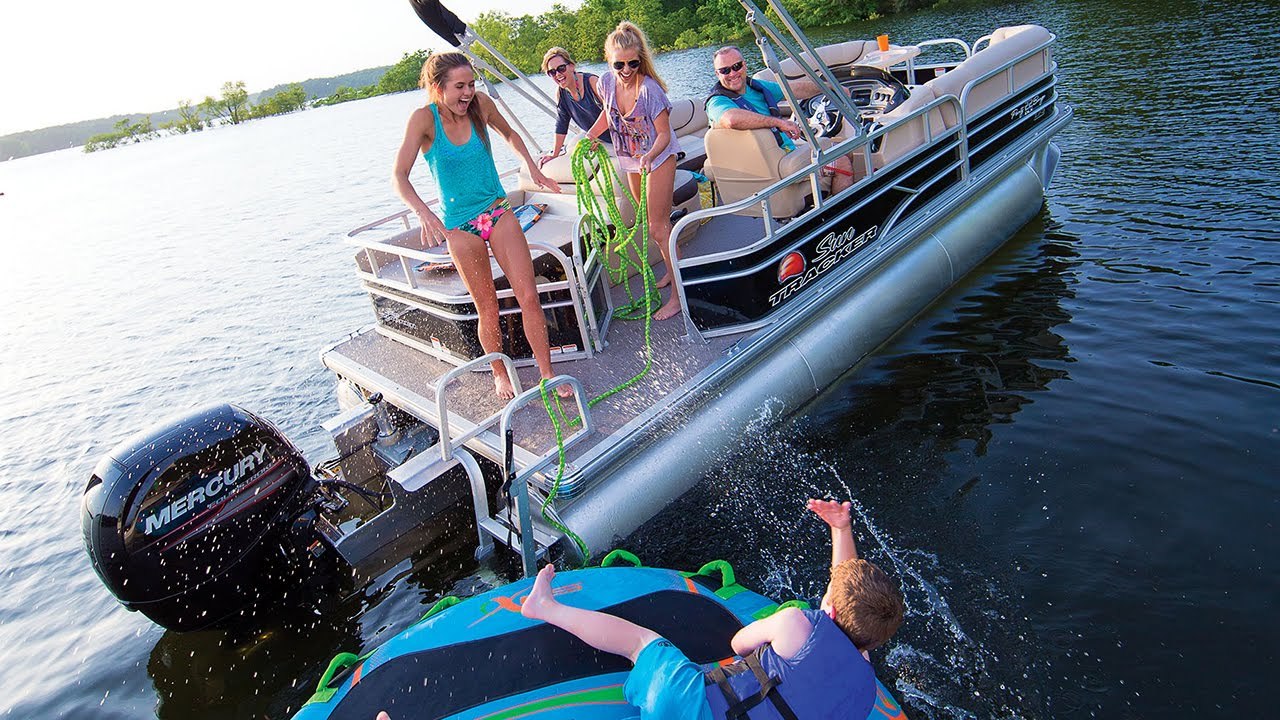 SUN TRACKER Boats: 2016 PARTY BARGE 22 DLX and XP3 Recreational Pontoon Boat