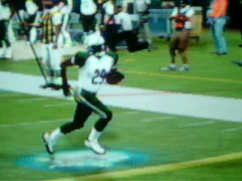 Leon Washington diving touchdown