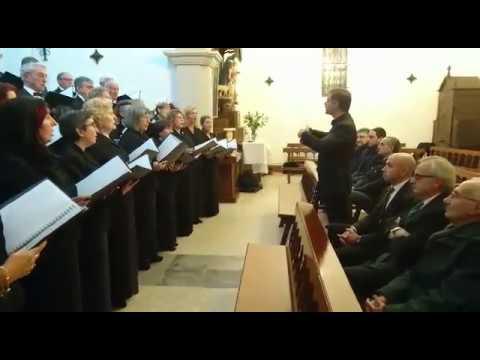Recital de panxoliñas do Orfeón Lucense na apertura do Nadal de Begonte