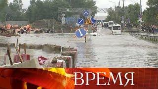 В результате проливных дождей в Москве случился потоп у аэропорта Шереметьево.