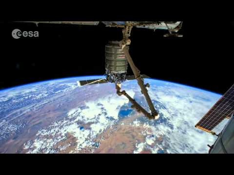Earth From ISS: Stunning Time-Lapse Video From Astronaut Photos
