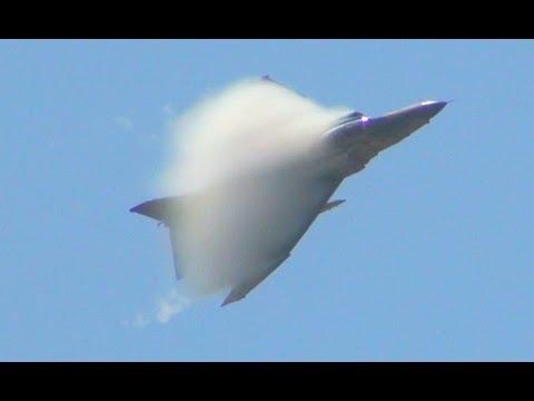 RF-4Eのベイパー凄っ!百里501飛行隊 戦術偵察デモ、安定の暴れっぷり@2013百里基地航空祭前日予行