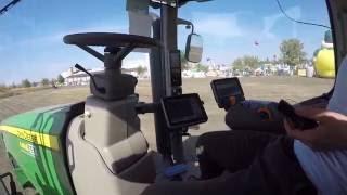 John Deere 8320 R с системой автоматической работы и управления трактором