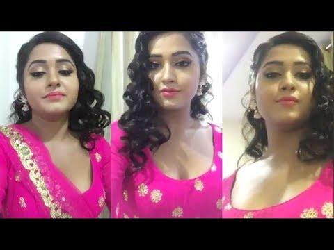 Kajal Raghwani Cleavage Tight Blouse || Chalkat Hamro Jawaniya thumbnail