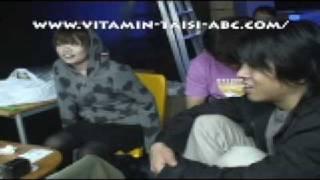 宮川賢主宰・劇団ビタミン大使「ABC」の2008年の納会の様子。納...