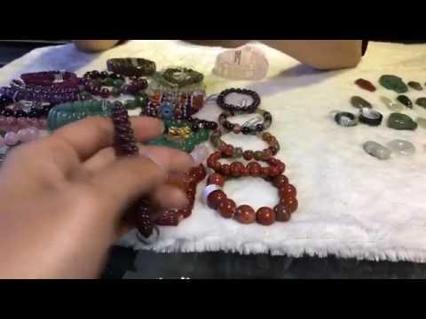 Vòng đeo tay và đeo cổ màu sắc hợp Mệnh Hoả – VatPhamPhongThuy.com