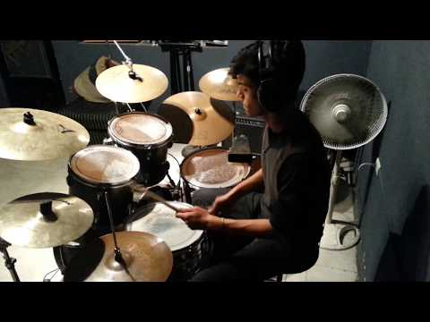 Arctic Monkeys - Hold On, We´re Going Home (drum Cover)