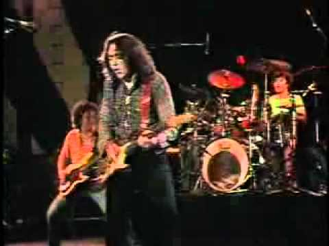 Rory Gallagher - The Devil Made Me Do It Live 1982.flv