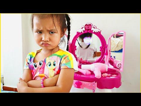 มิซอลทะเลาะกับโต๊ะแต่งหน้า💄| Misol Pretend Play With Make Up Table Toy 🎁