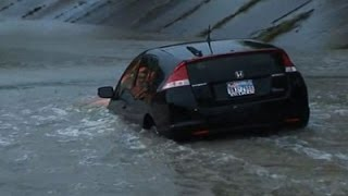 Reporter Saves Driver From Rising TX Floodwaters