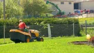 Prezentacja pracy traktorka ogrodowego Partner 125CRD! DabroLs