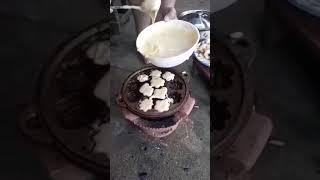 Làm bánh bông lan