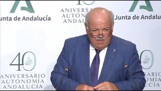 """Andalucía estudia si """"evidencias científicas"""" recomiendan prohibir fumar en público"""
