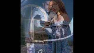Amor Gitano - Renzo y Adriana (Luna) + Download link