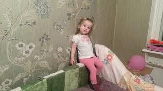 НАСТЯ ЛИСЕНОК ПОЕТ ПЕСЕНКИ)) Новый Год!!! Дети приколы