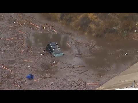 Dramatic rescues follow deadly California mudslides